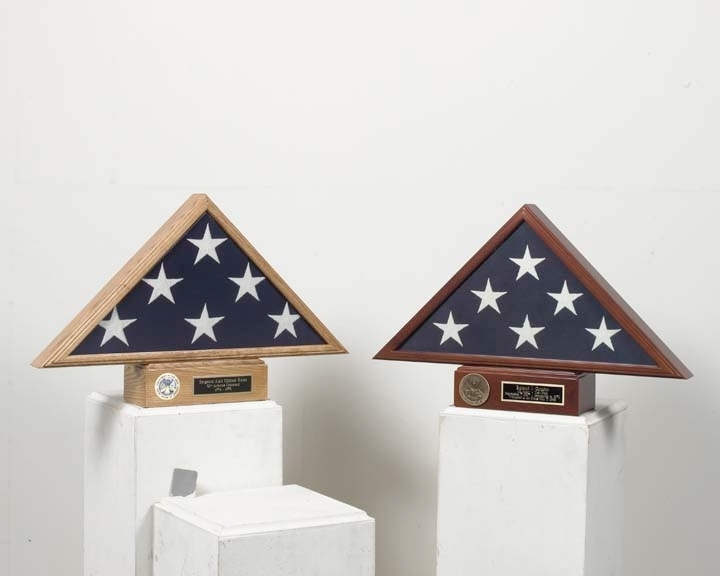 Burial flag Display and pedestal case - flag Pedesta